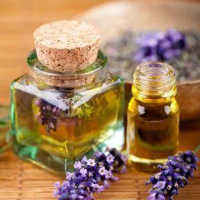 Les huiles essentielles de lavande ou de marjolaine