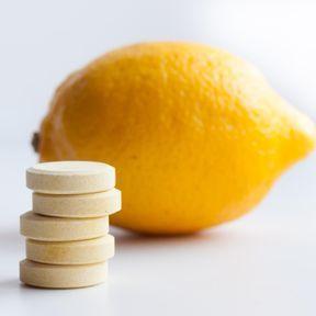 Un comprimé à sucer d'essence de citron