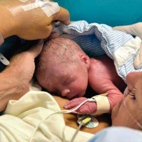 Première naissance après greffe d'utérus