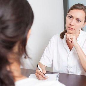 Faut-il garder un moyen de contraception pendant la maladie ?