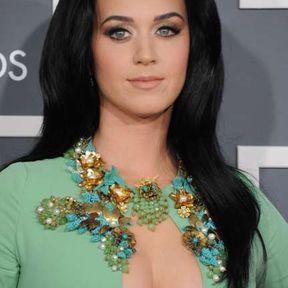 Les seins de Katy Perry