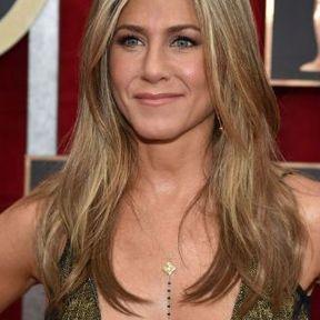 Les seins de Jennifer Aniston