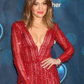 Les seins de Jennifer Lopez