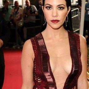 Les seins de Kourtney Kardashian