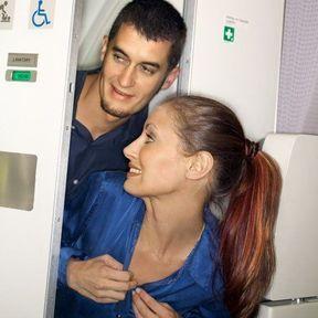 Les toilettes d'un avion