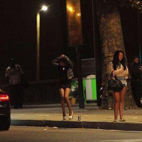 Prostitution : la pénalisation du client fait débat
