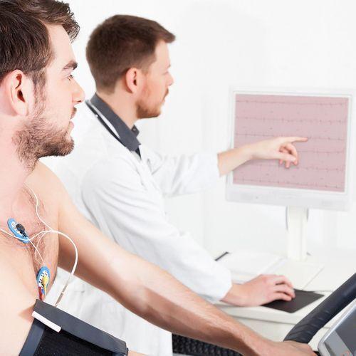 L'exercice physique pourrait réduire les risques du cancer du poumon et du cancer colorectal