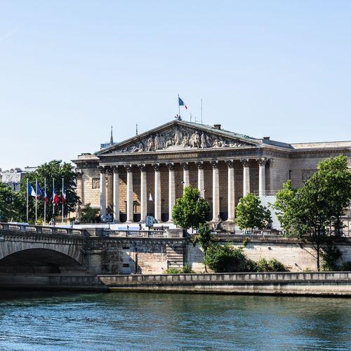 L'assemblée nationale adopte le projet de loi sur la bioéthique