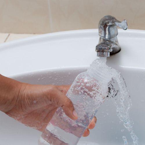 Lille : l'eau du robinet déconseillée pour les nourrissons
