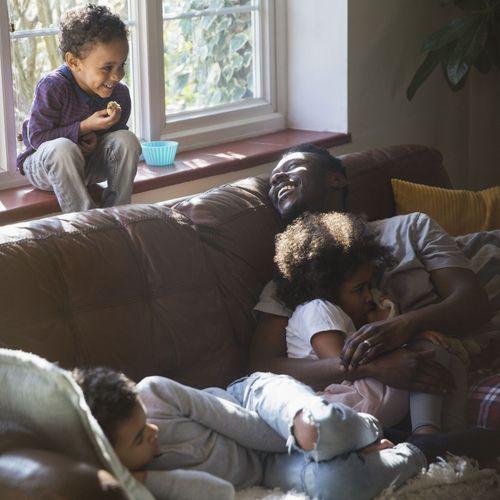 Un nouveau rapport de L'UNICEF pointe du doigt les mauvais élèves en matière de politique familiale
