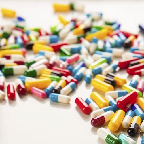 Antibiotiques : la consommation fréquente liée à davantage de polypes intestinaux