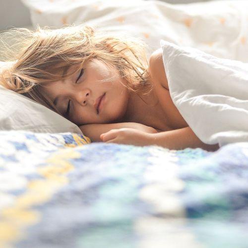 Le cerveau reste attentif à son environnement même pendant le sommeil