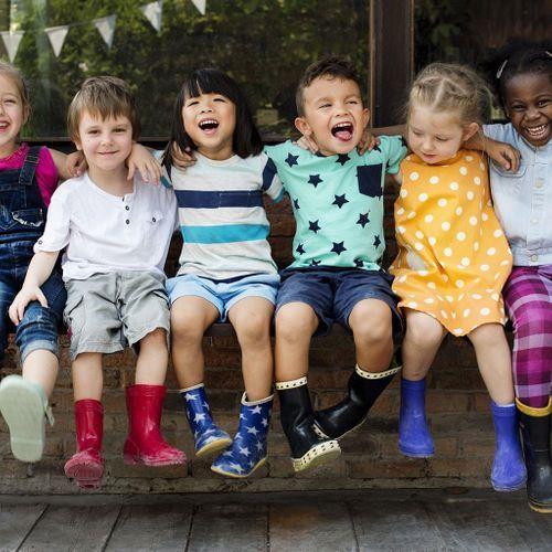 Les amitiés peuvent aider les enfants à l'éducation stricte