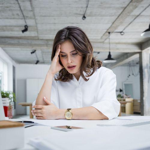 8 salariés sur 10 ont déjà pleuré au travail