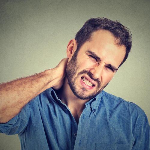 AVC : ne vous faites pas craquer le cou !