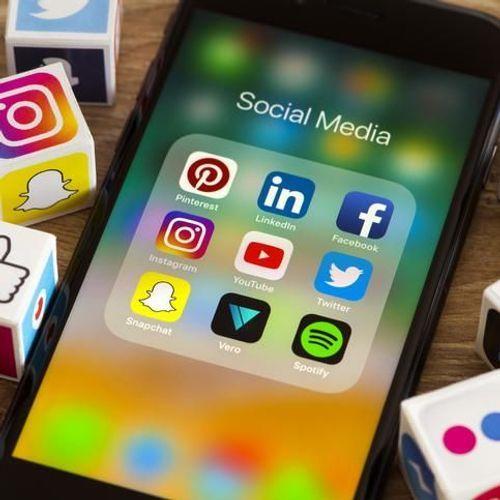 Les réseaux sociaux renforcent le sentiment de solitude