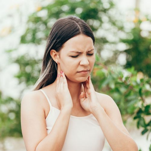 Mieux connaître les symptômes des cancers de la tête et du cou