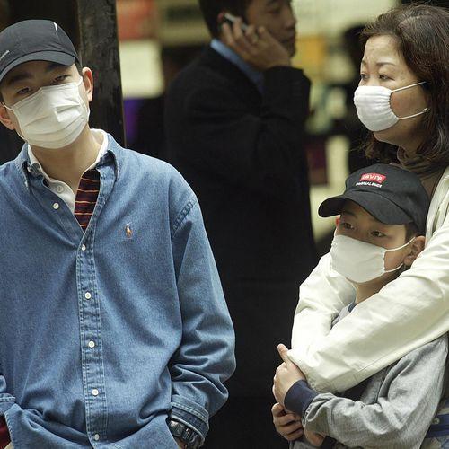 Virus : l'OMS corrige son évaluation de la menace et sème la confusion
