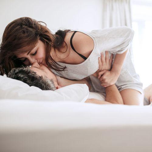 Ménopause précoce : moins de risques chez les femmes sexuellement actives